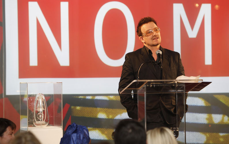 Bono promoting 'Malaria No More' charity and auction of Jerram's Malaria sculpture.