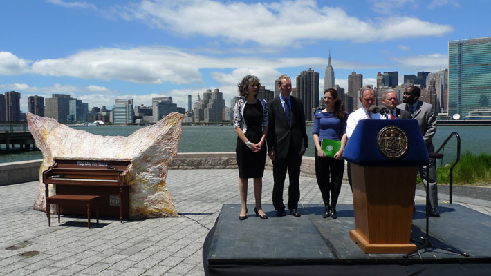 Mayor Bloomberg launches 'Play Me, I'm Yours' in New York.